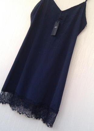 Новое  платье синее в бельевом стиле на тонких бретелях с кружевом