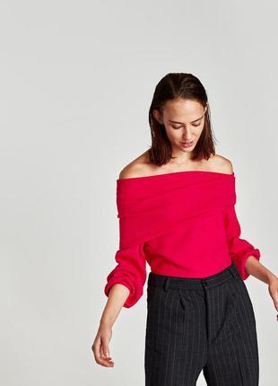 Мягкий свитер zara   цвета фуксии со спущенной линией плеча