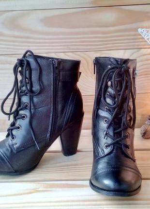 Стильные сапоги ботинки полусапожки на шнуровке дкеорированы молнией 38 р. стелька 24,5 см