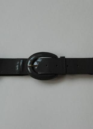 Новый лаковый пояс серого цвета 90