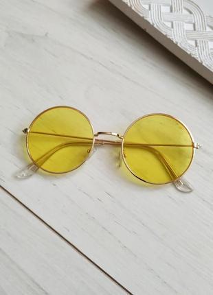 Очки солнцезащитные круглые, желтые линзы