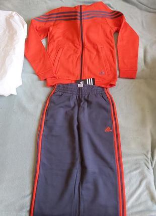 Новый спортивный костюм adidas на рост152