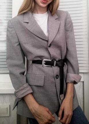 Базовый серый пиджак в мужском стиле в стиле оверсайз