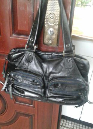 Натуральная кожа 100% pieces сумка красивая. черная.