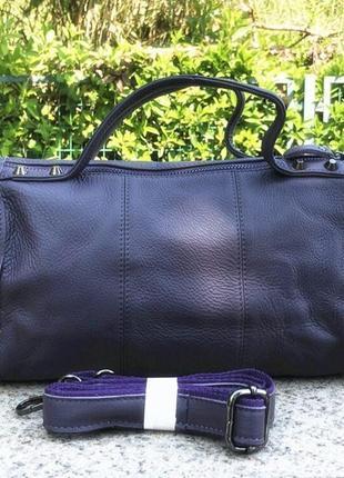"""Женская кожаная сумка среднего размера темно-синяя """"петтри dark blue"""""""