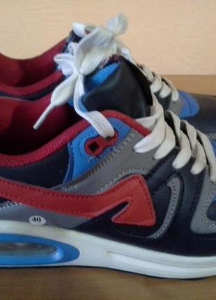 Кроссовки для бега 40р