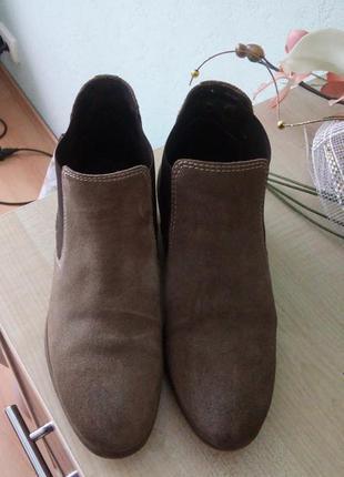 Класні замшеві чобітки 38 розміру 24.5см