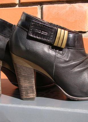 Кожаные ботинки (ботильоны) tommy hilfiger 38 р.