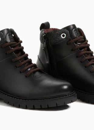 Демисезонные ботиночки zara для мальчика. размер 29,30