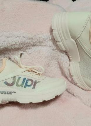 🎀стильні жіночі кросівки тренд 2021