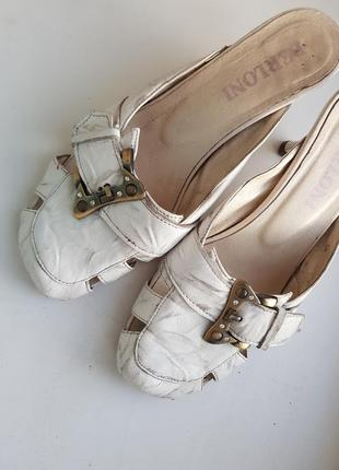 Кожаные босоножки сабо, кожаные шлёпанцы на каблуке