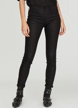 Черные скинни джинсы