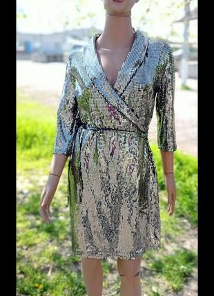 Платье с поедками, блестящие , на заппах