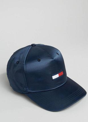 Продам крутую кепку бейсболку tommy hilfiger оригинал