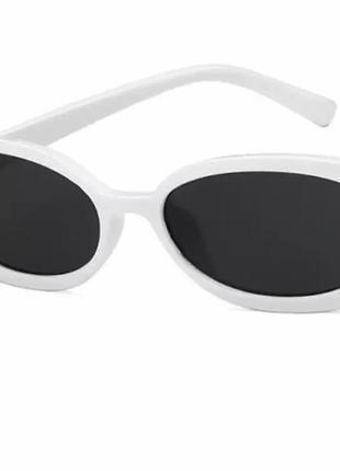 В наличии солнцезащитные очки