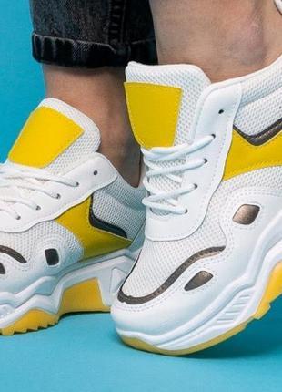 Женские кроссовки для спорта и активного отдыха