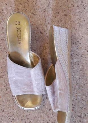 Кожаные шлепки мюли с квадратным носком. итальянский бренд jonelle