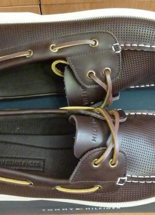 Tommy hilfiger оригинал 41 ст. 26.5 см. новые кожаные топсайдеры туфли