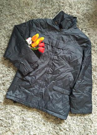 Фирменная крутая ветровка/куртка.