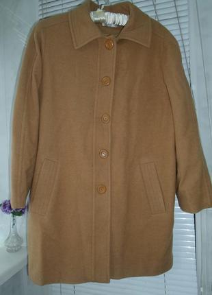Пальто цвета кэмел, 80% шерсти