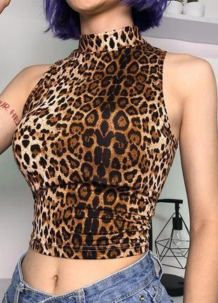 Топ в леопардовый принт