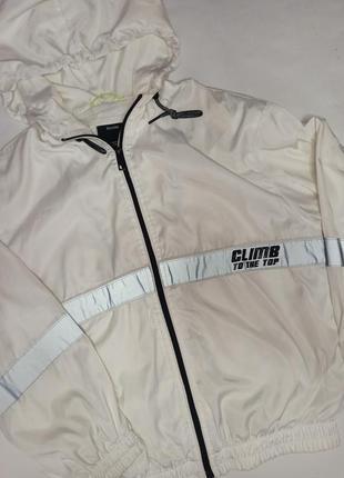 Ветровка, куртка от bershka1 фото