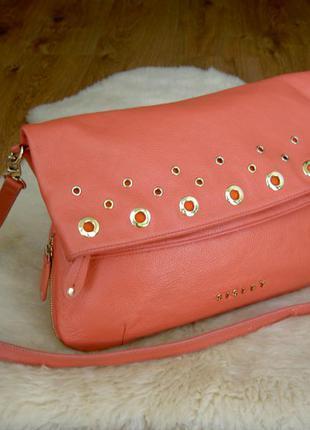 Брендовая сумка из натуральной кожи sisley.
