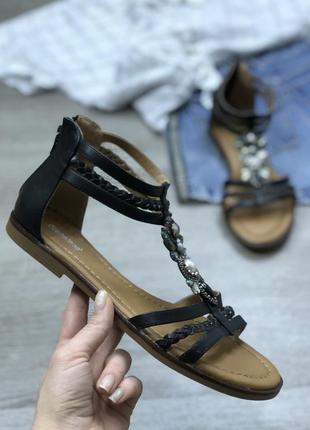 Классические стильные босоножки graceland