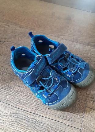 Крутые фирменные сандалии босоножки