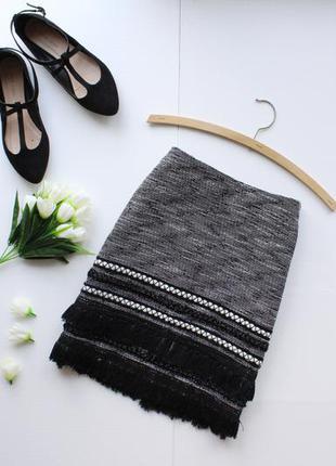 Твидовая осенняя юбка миди с бахромой