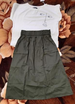 Костюм юбка и футболка