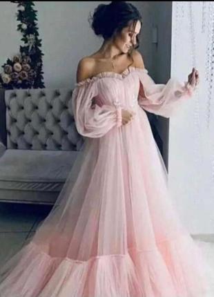 Шикарное воздушное розовое платье в пол