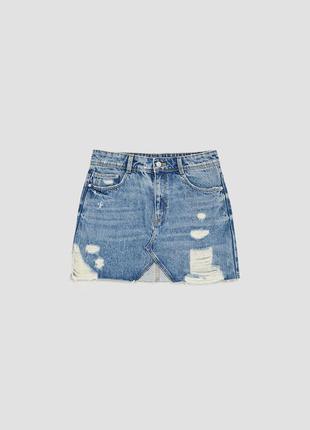 Джинсовая мини юбка с рваностями от zara
