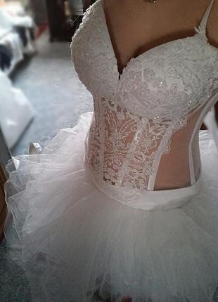 Свадебное платье zara в подарок перчатки, подвязка...