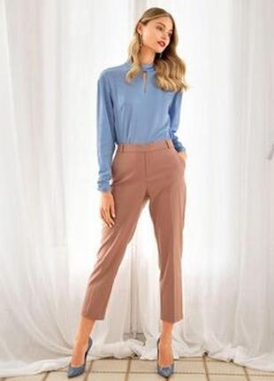 Стильные укороченные брюки