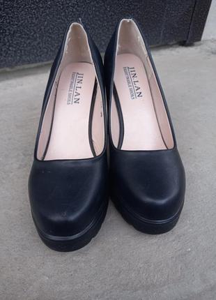 Туфли на каблуке с платформой2 фото