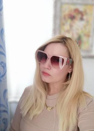 Изысканные розовые нюдовые женские солнцезащитные очки с цаетами
