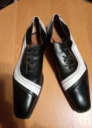 Туфли кожані