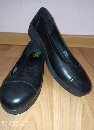 Туфлі flitflop