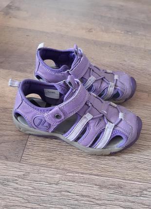 Фирменные кожаные сандалии босоножки
