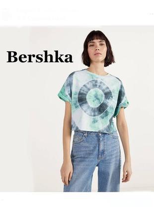 Женская футболка bershka
