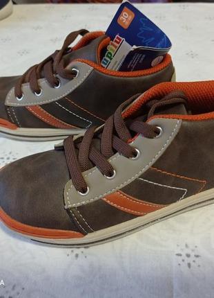 Легкие крутые ботинки 30р, германия