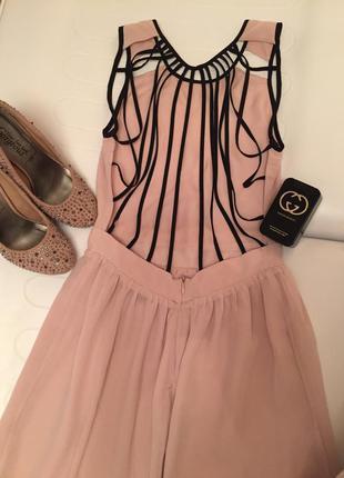 Нереальной красоты платье
