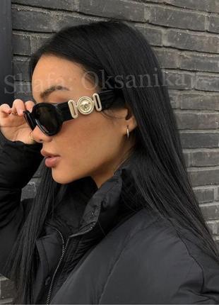 Солнечные трендовые очки с широкой дужкой, с логотипом, чорні сонячні окуляри