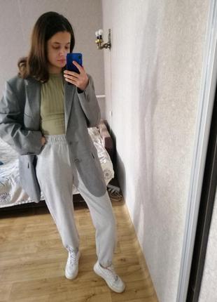 Базовый минималистичный винтажный серый пиджак