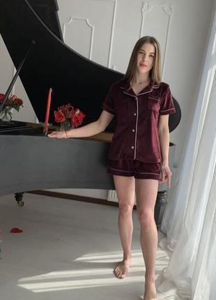 Стильная бархатная пижама для дома и сна