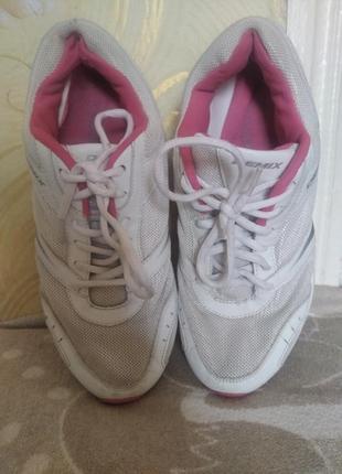 Кроссовки женские для бега