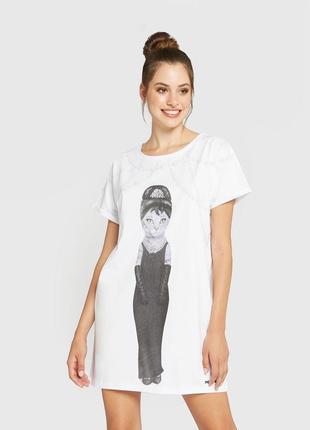 Нічна сорочна, ночнушка, ночная рубашка.