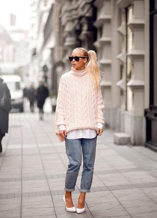 Шикарный трендовый свитер с косичками
