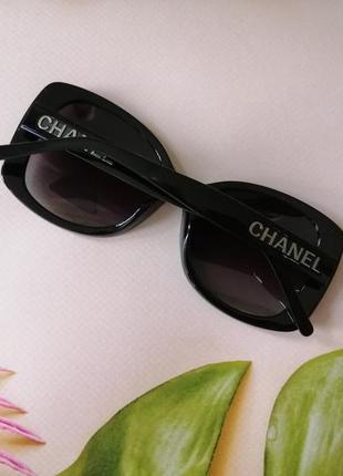 Элегантные чёрные брендовые солнцезащитные женские очки  с поляризацией !
